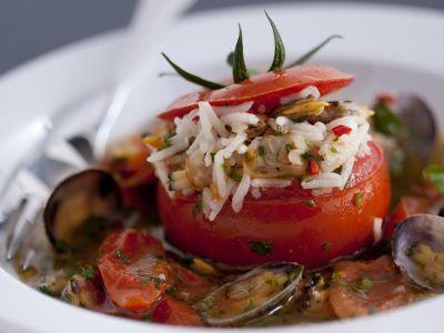 pomodori-con-riso-basmati-e-guazzetto-di-vongole ricetta