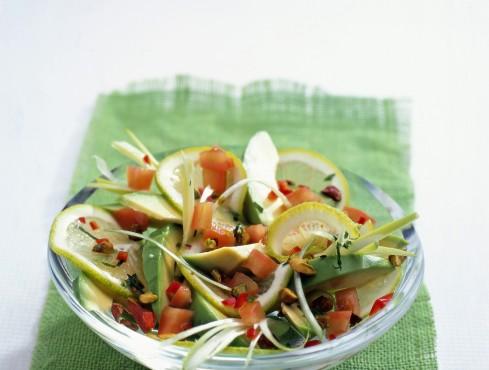pomodori-e-cipollotti-al-peperoncino-con-avocado