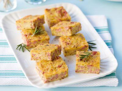 quadrotti-con-patate-e-salsiccia-al-finocchietto ricetta
