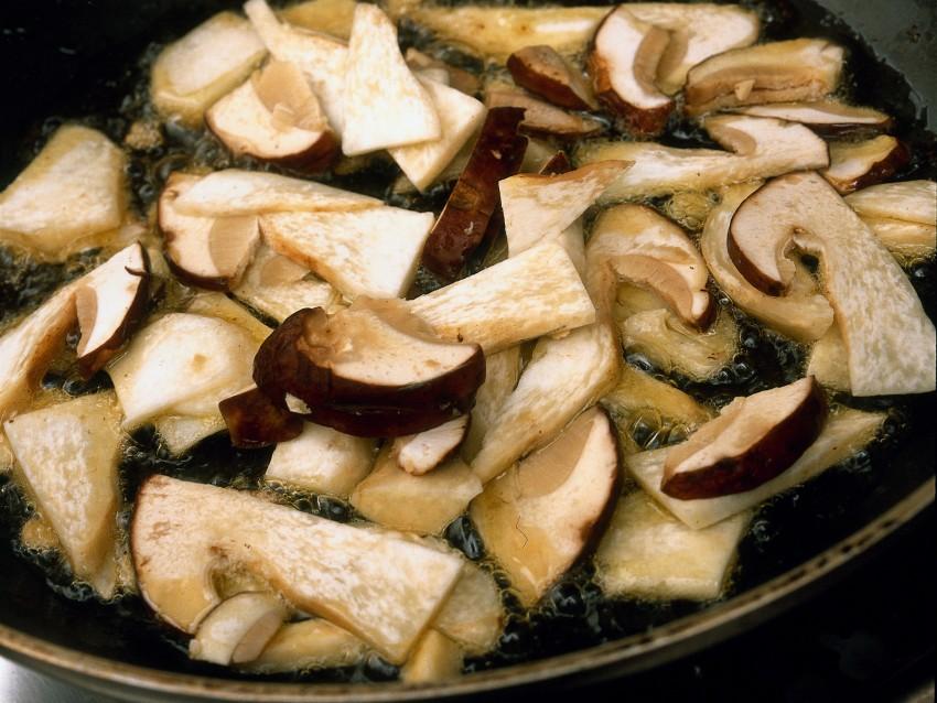 ravioli di spinaci ai funghi Sale&Pepe preparazione