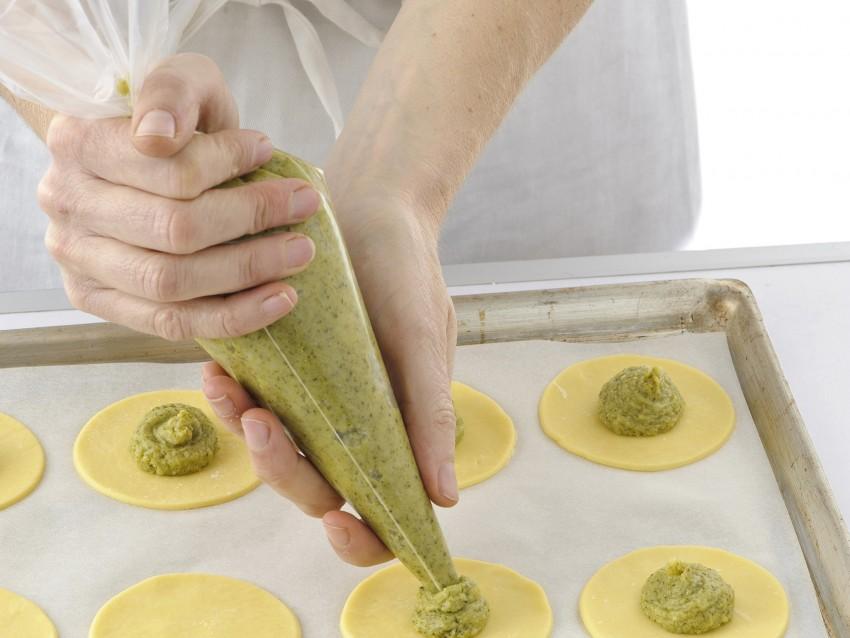 ravioloni di brisee ai broccoletti Sale&Pepe ricetta