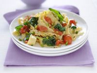 reginette-con-pomodorini-spinaci-e-pistacchi