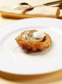 Cipolla caramellata con crema di parmigiano