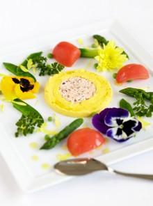 La crema di ricotta con verdure di primavera