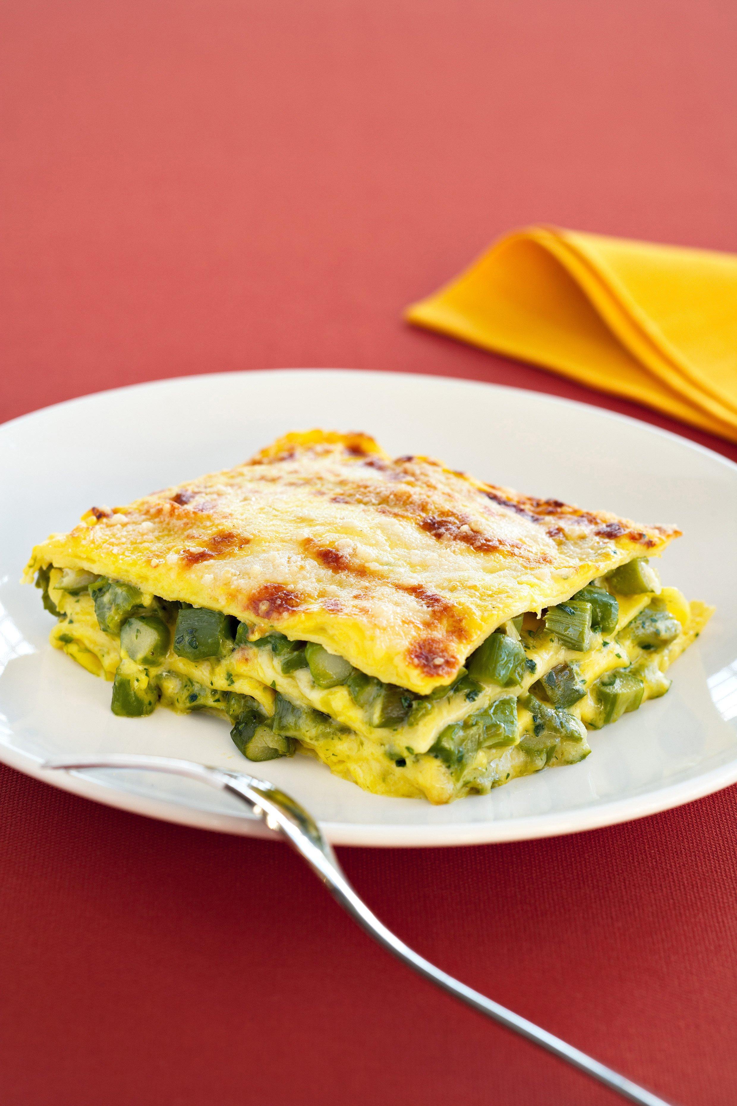 Lasagna allo zafferano con gli asparagi | Sale&Pepe