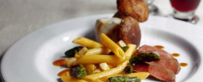 ricetta penne-con-piccione-porcini-e-asparagi