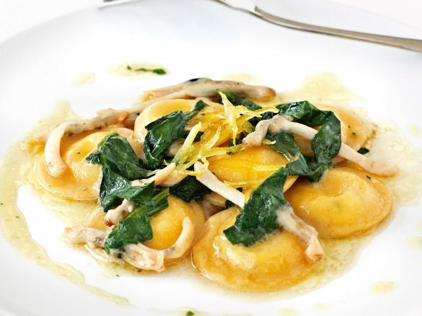 ricetta ravioli-al-formaggio-con-i-cannolicchi