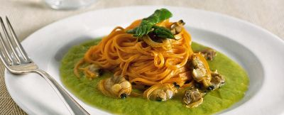 ricetta tagliolini-alle-vongole-e-crema-di-asparagi