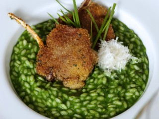 risotto-alla-boraggne-con-costolettine-di-agnello ricetta
