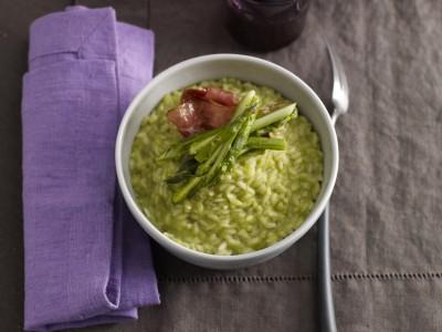 risotto con crema di asparagi e speck ricetta