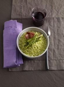 Il risotto con crema di asparagi e speck