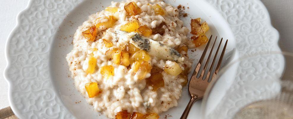 risotto-con-erborinato-mele-e-cannella ricetta