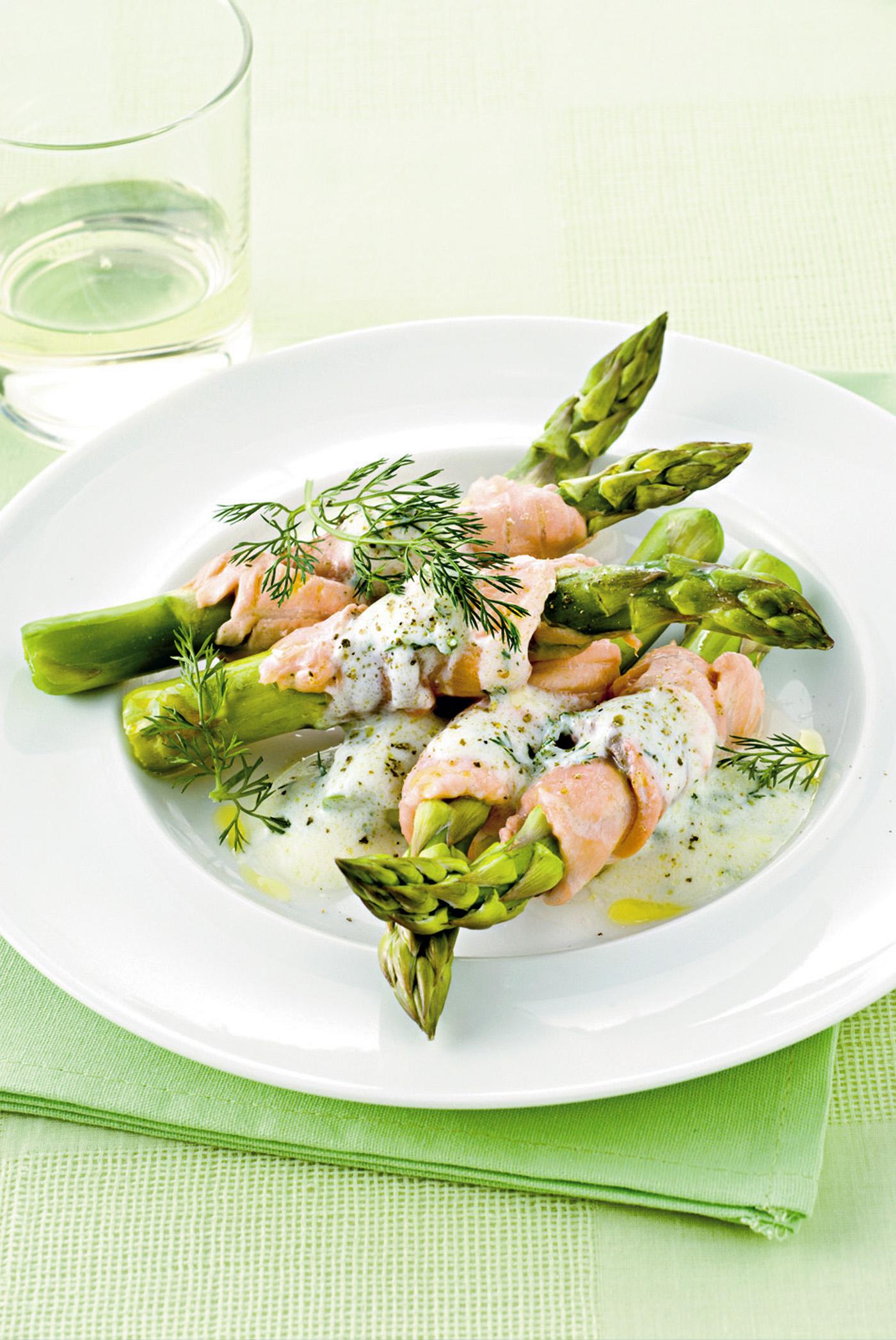 Ricetta Salmone Asparagi.Rotolini Di Salmone E Asparagi Sale Pepe