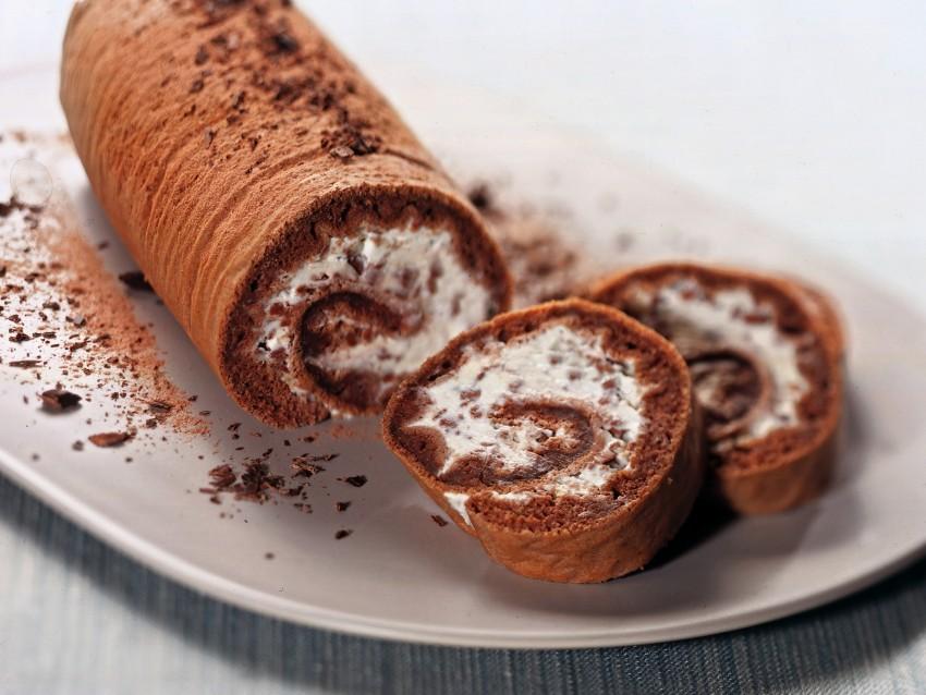 rotolo-al-cioccolato-farcito-con-ricotta