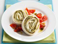 rotolo-di-pane-con-pesto-e-mozzarella-di-bufala ricetta
