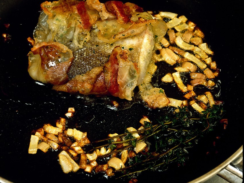 scaloppe-di-merluzzo-con-asparagi-allo-zafferano ricetta