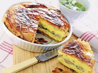 schiacciata-di-patate-e-tonno-con-salsa-alle-erbe ricetta