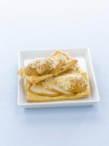 Sfogliatine con pere e parmigiano