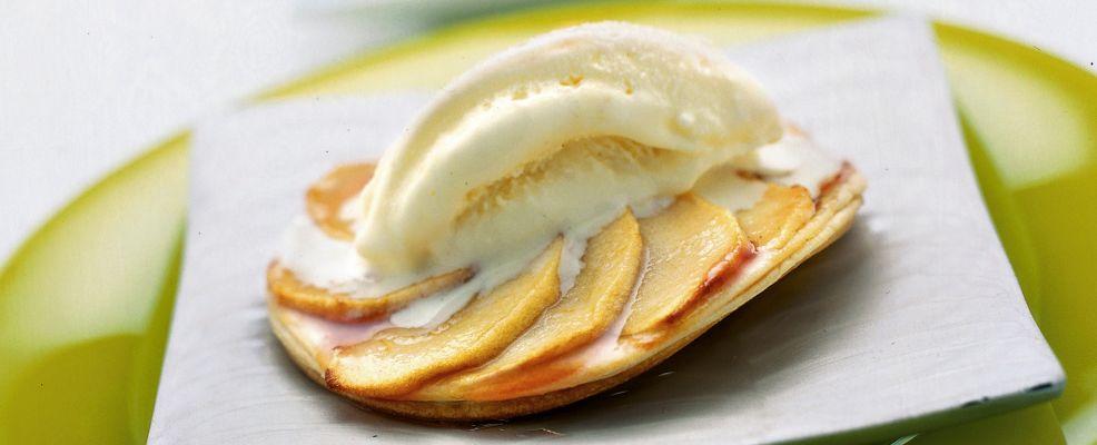 sfogliatine-di-mela-con-gelato-alla-vaniglia ricetta