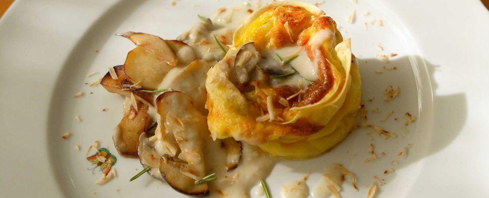 sformatini-di-pasta-e-crema-di-formaggio-con-funghi-e-topinambur