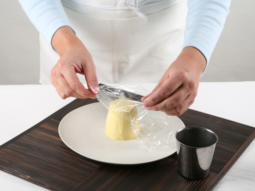 sformatino-di-cioccolato-bianco-con-salsa-fondente step