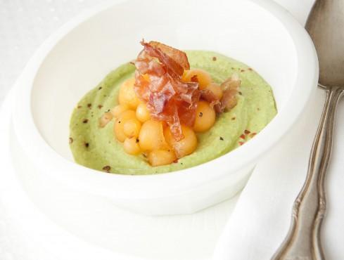 smoothie-di-zucchine-e-avocado-con-melone-e-crudo