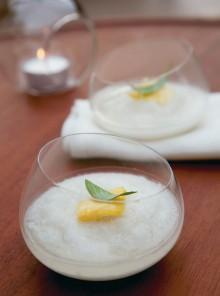 Sorbetto di ananas al rum