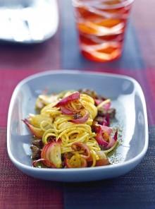 Spaghetti con agnello e cipolle di Tropea