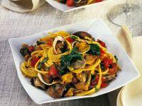 spaghetti con vongole e zafferano Sale&Pepe ricetta