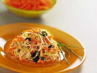spaghetti-di-riso-e-verdure