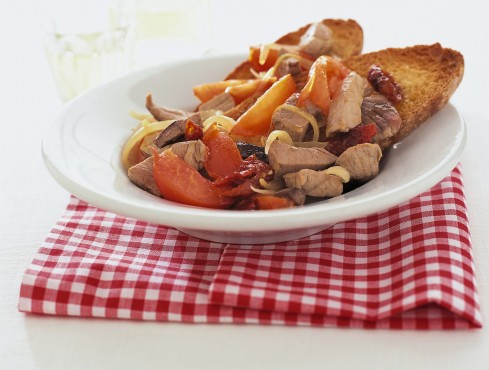 spezzatino-sui-crostoni