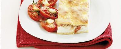spianata-alla-ricotta-e-pancetta-con-pomodori