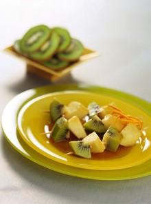 Gli spiedini di mele e kiwi