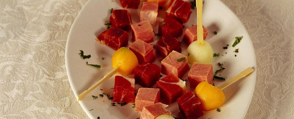 Stecchi di prosciutto e melone Sale&Pepe ricetta