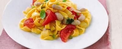 tagliatelle-con-pomodoro-fresco-e-basilico
