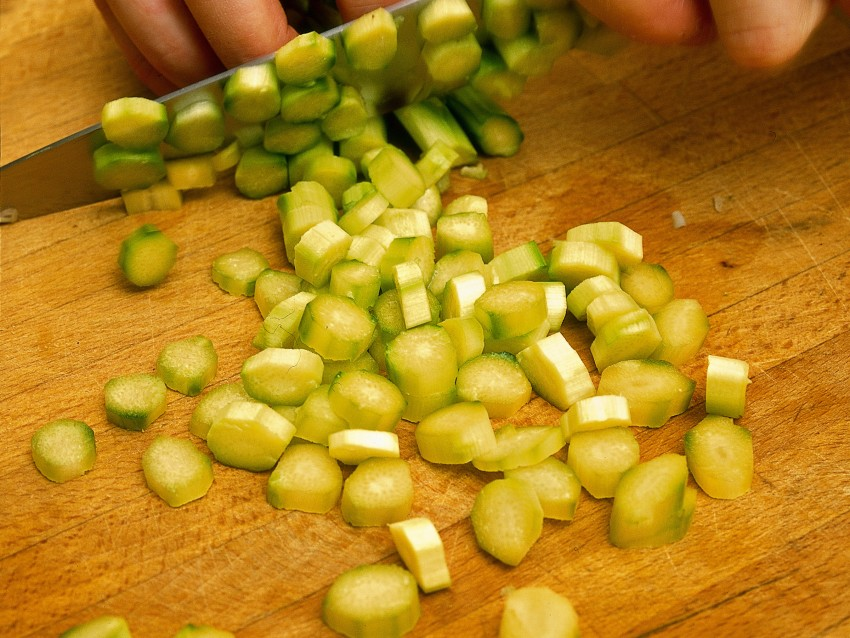 tagliolini-alle-vongole-e-crema-di-asparagi ricetta
