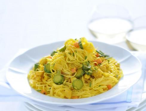 tagliolini con ragu di pollo e zucchine allo zafferano ricetta Sale&Pepe