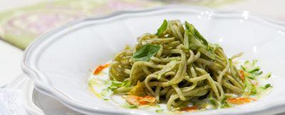 tagliolini-verdi-con-zucchine ricetta