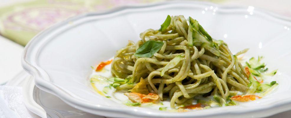 tagliolini-verdi-con-zucchine ricetta Sale&Pepe