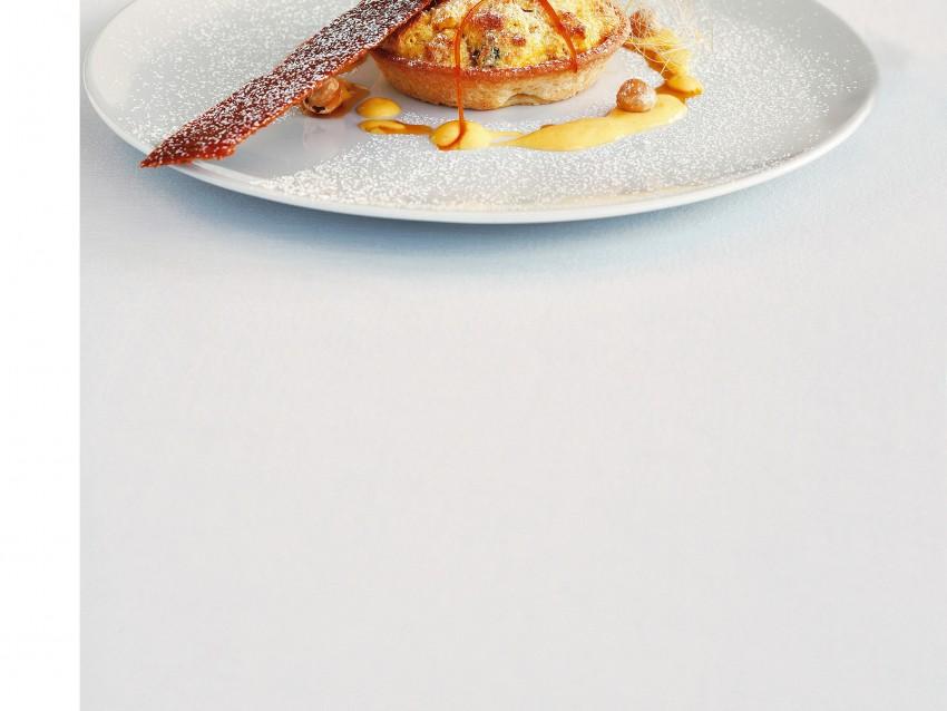tartellette-al-panettone-con-croccante-al-sesamo immagine