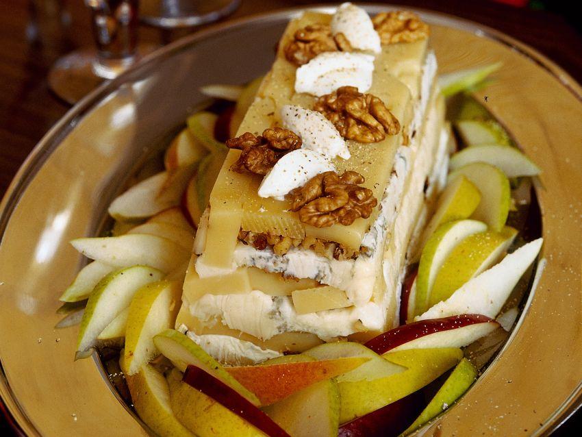 terrina di formaggi con pere, mele e noci Sale&Pepe