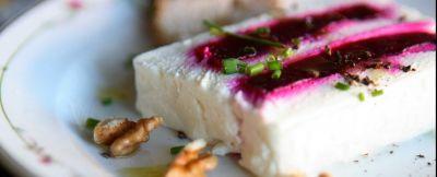 terrina-di-formaggio-di-capra-e-barbabietola