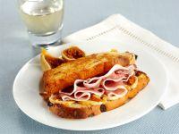 toast-al-prosciutto-con-fichi-secchi