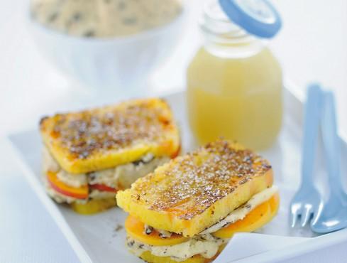 toast-dolci-con-amaretti-e-albicocche