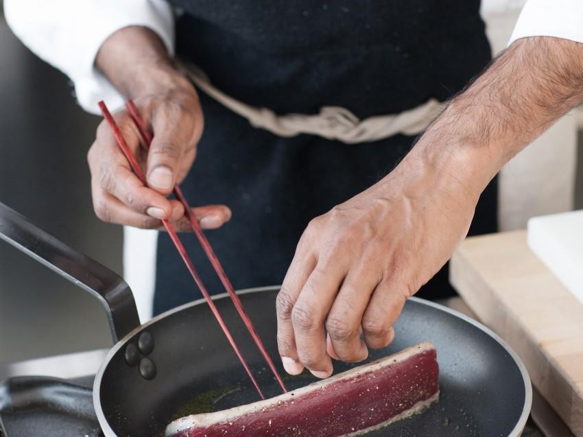 tonno con verdure e vinaigrette alla soia Sale&Pepe foto