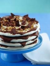 torre-di-meringhe-alla-crema-di-nocciola ricetta