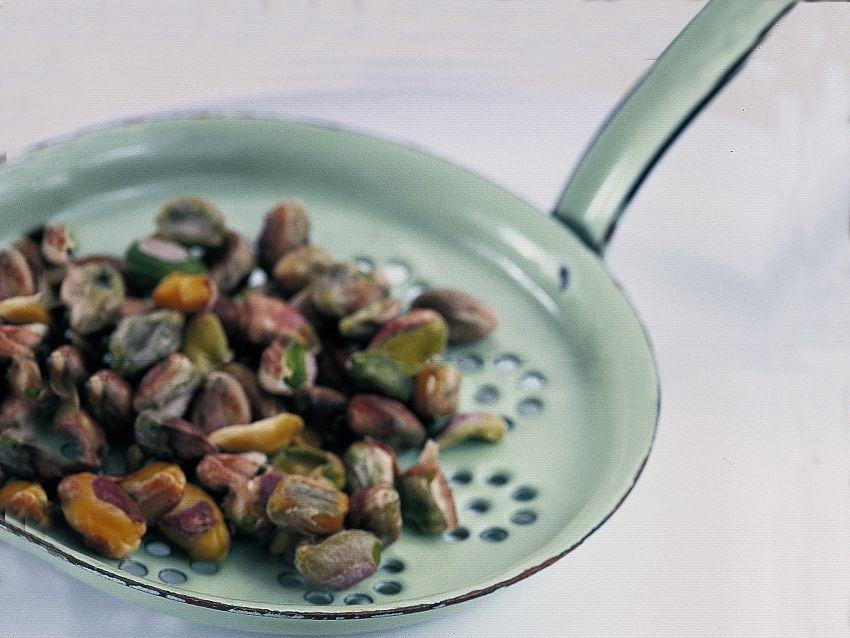 torta-al-pistacchio-con-ciliegie