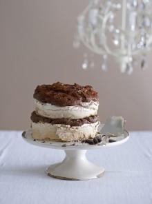 La torta alla cannella con mousse di cioccolato extrabitter