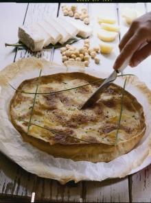 Torta alle nocciole con patate e taleggio