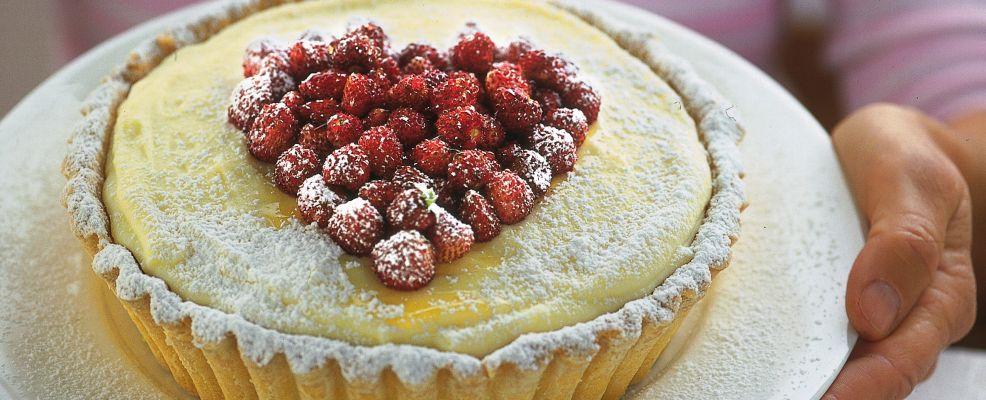 torta-bianca-con-le-fragoline